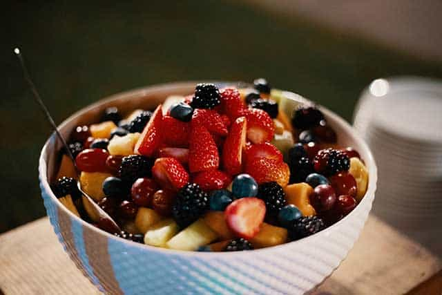 Oat bowl with berries. Is it so hard to become vegan?