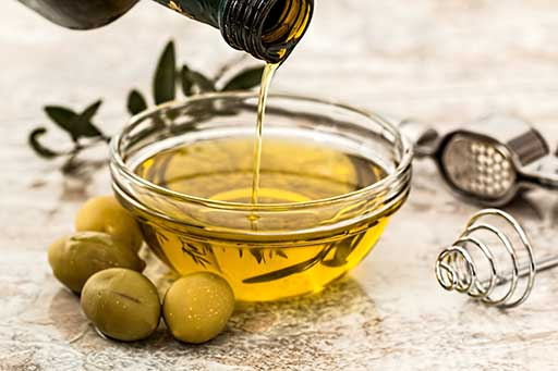 Olive oil, healthy fats