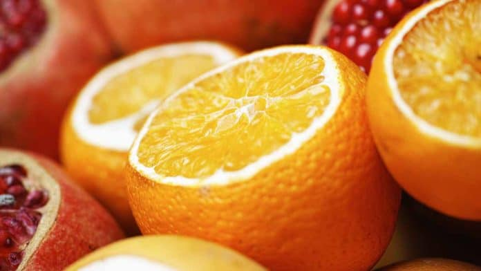 Top 30 foods high in vitamin C. Which contain more than an ...