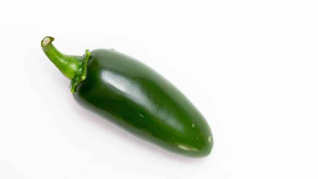 Nutrition value and health benefits of jalapeno and banana peppers. Eat pickled vegetables?