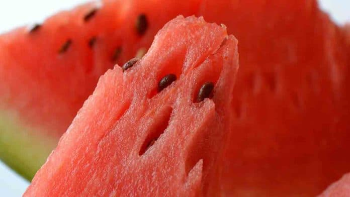 How many calories in 1 cup of watermelon? Is it good for losing weight?
