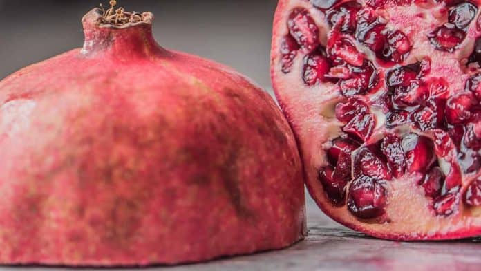 Benefits of pomegranate juice for glowing skin & healthy hair.