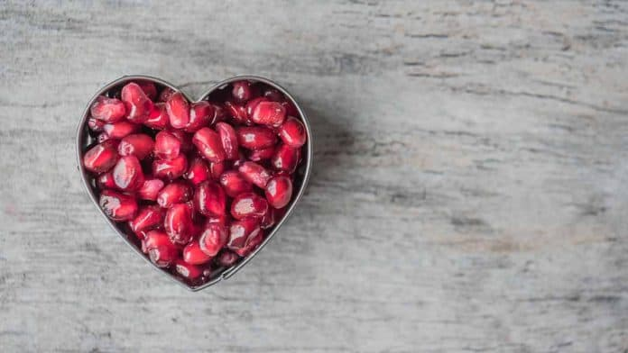 Do pomegranates make you poop? Can juice help with constipation?