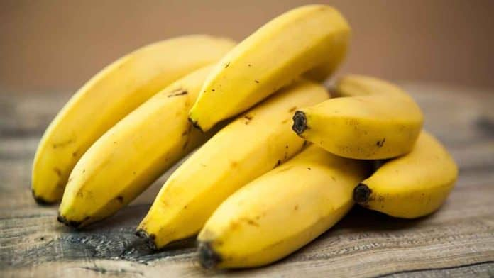 Does eating a banana before bed help to lose weight?