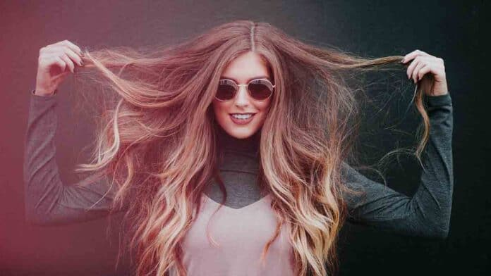 vitamin B12 for thick & strong hair
