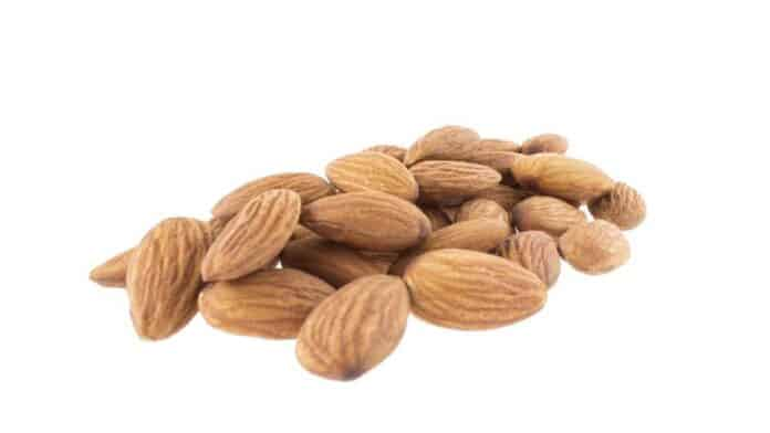 The best time to eat almonds for weight loss!